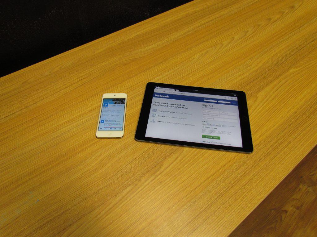 Twitter Phone, Facebook Tablet